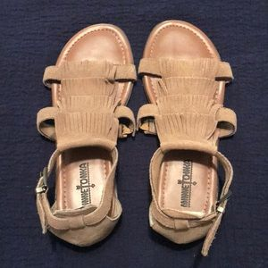 Minnetonka Size 7 Sandals